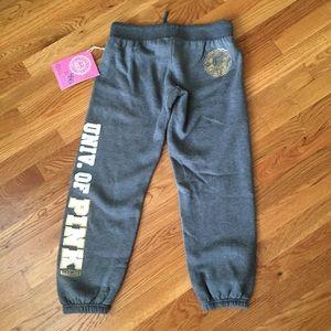 NWT Victoria's Secret Pink cropped fleece pants